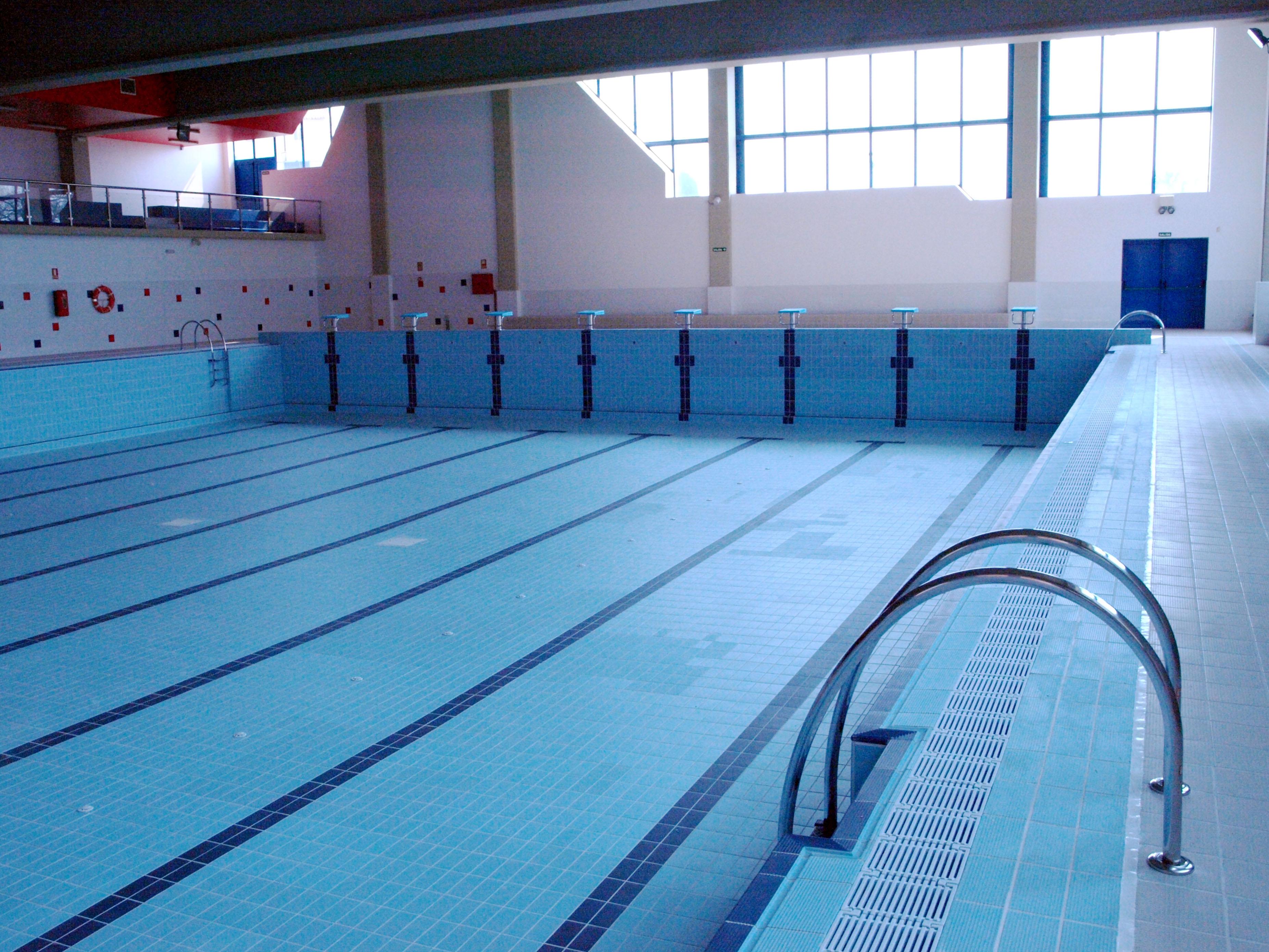 Tineo oferta una jornada de puertas abiertas a las nuevas for Medidas de una piscina olimpica