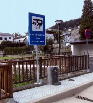 Area para autocaravanas en Navelgas