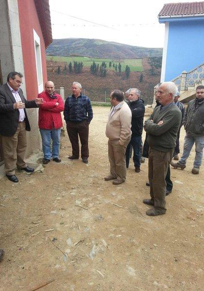 Pepe R. Los vecinos con los líderes de IU