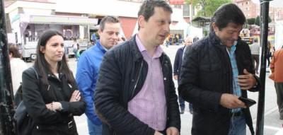Fernández con el alcalde tinetense. Internet