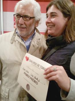 Francis entrega el primer premio