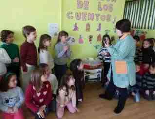 María José Basta con sus alumnos