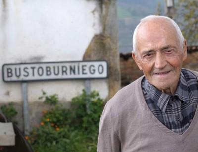 Pepe.- José Antonio en su aldea