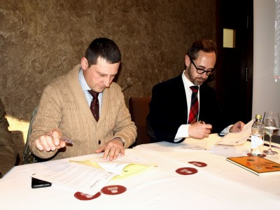 Alcalde de Tineo y Director de Fundación Alimerka en la firma