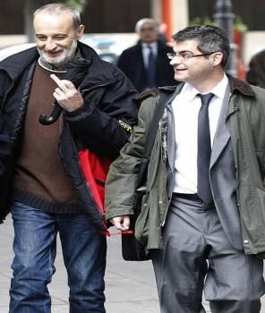 Mario Rojas.-El acusado con su abogado