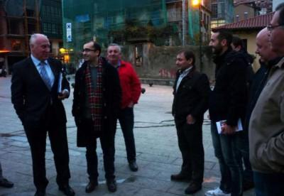 F. Blanco en Cangas con afiliados PSOE