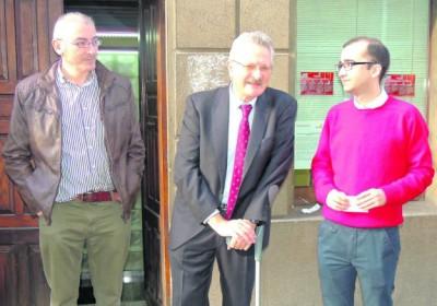 Trevín, en el centro, con el alcalde de Allande y Rodríguez