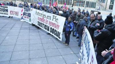 Foto Agencia. Apoyo minero a los acusados