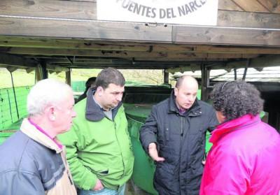 Pescadores con representantes de FORO