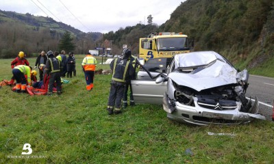 2015.02.02 Accidente de tráfico en Salas 1