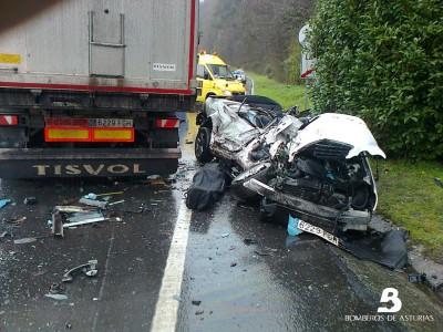 2015.02.03 Accidente de tráfico en Salas 1