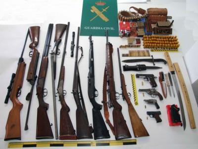 Armas requisadas en Cangas