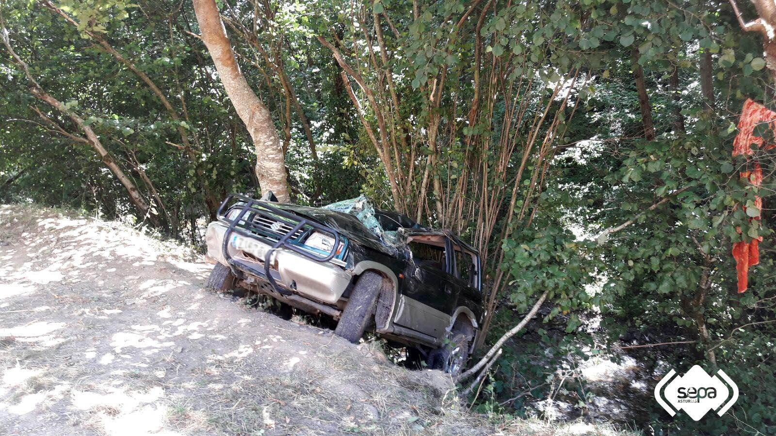 CANGAS DEL NARCEA.- Accidente en Tremao de Carballo