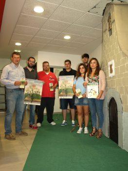 Alcalde, Sergio, Senén, Santiago, peñas, concejal turismo junto a capilla