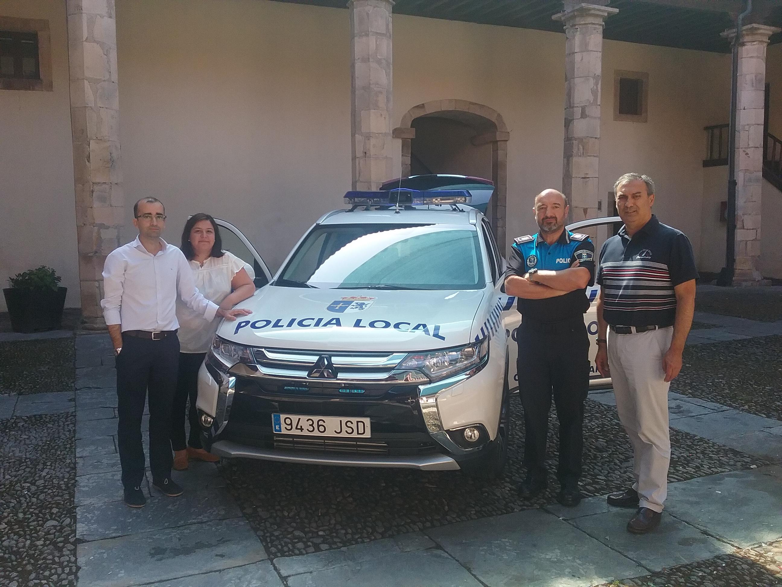 CANGAS DEL NARCEA.- Un nuevo coche para la Policía Local.