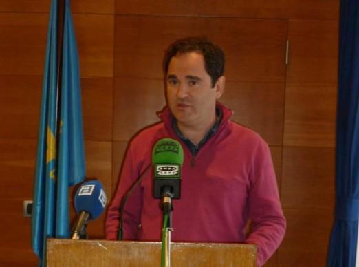 CANGAS DEL NARCEA.- El concejal de Hacienda renuncia a sus competencias