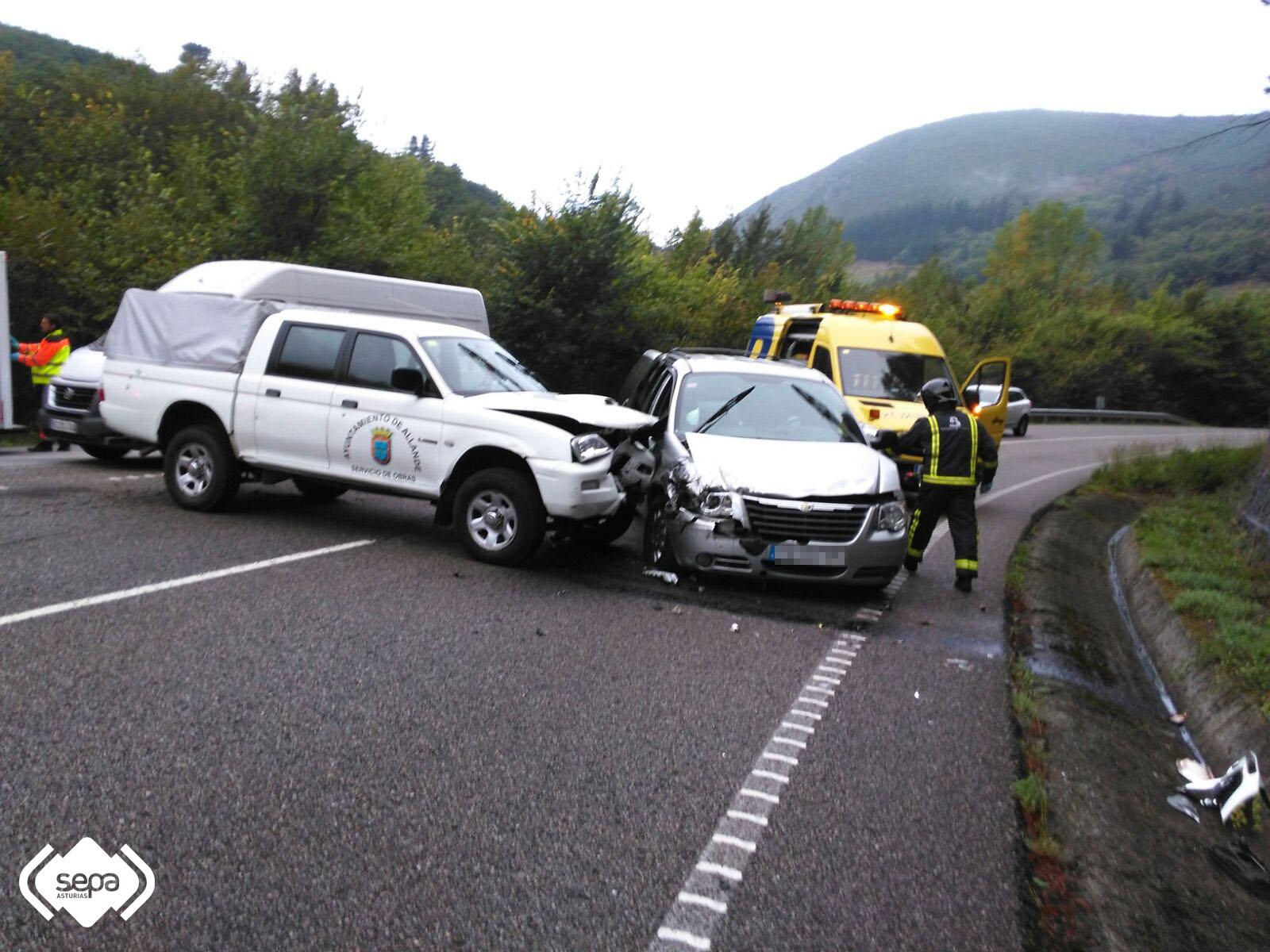 CANGAS DEL NARCEA.- Accidente de tráfico con heridos