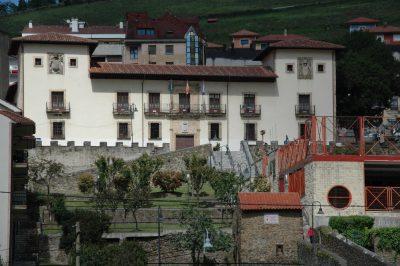 Mera.- Palacio de Toreno