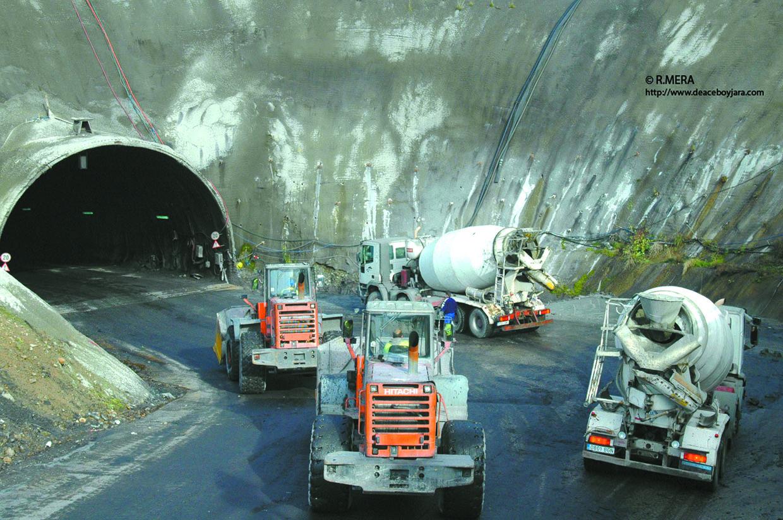 CANGAS DEL NARCEA.- IU pretende nacionalizar las minas privadas el Suroccidente