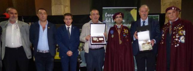 CANGAS DEL NARCEA.- Del Bosque y Víctor González homenajeados