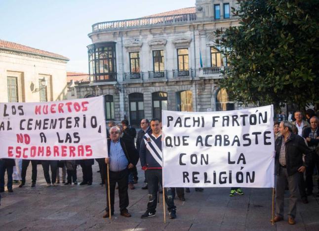 CANGAS DEL NARCEA.- CARBALLO protesta ante el arzobispado