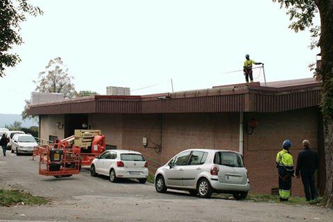 TINEO.-Renovación de la cubierta del polideportivo