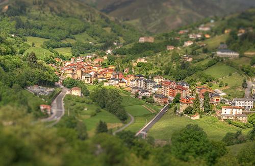 ALLANDE.- XVII Seminario de estudios asturianos de la Fundación Belenos