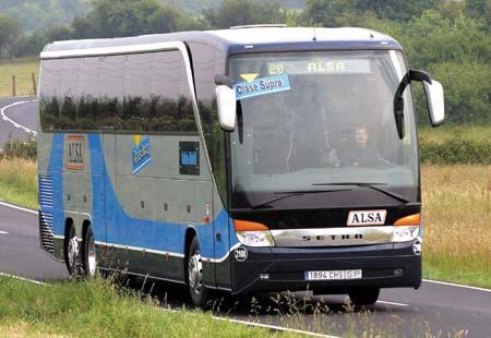 CANGAS DEL NARCEA.- Reforzado el servicio de transporte para estudiantes