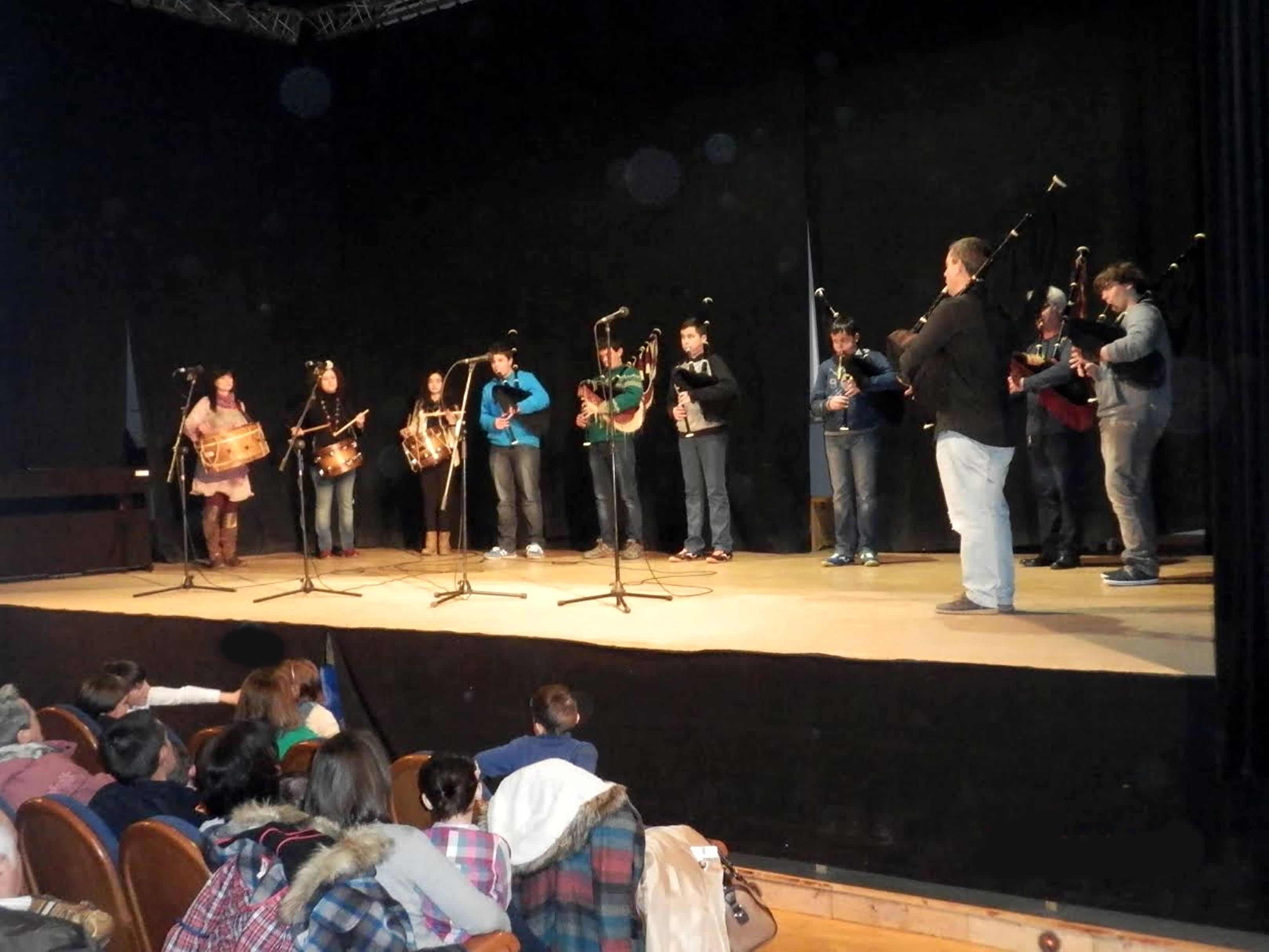 TINEO.- La Escuela Municipal de Música presenta el sábado, día 10, la XIV Muestra de Folclore.