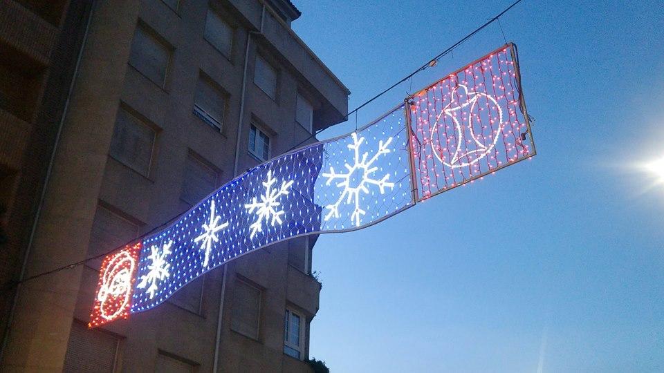 CANGAS DEL NARCEA.- Encendido de la iluminación navideña