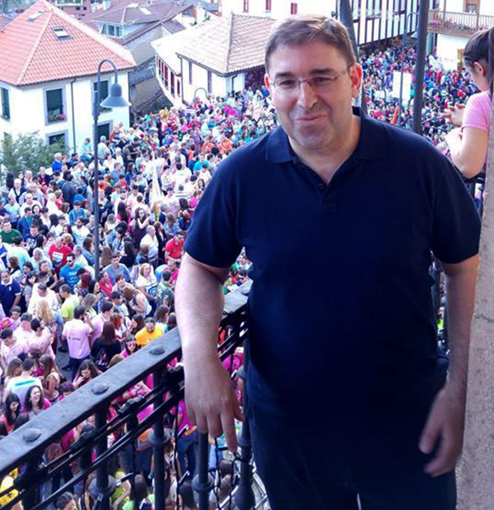 CANGAS DEL NARCEA.- El que fuera profesor en Cangas, Amador Menéndez, Premio Internacional de Ensayo Jovellanos