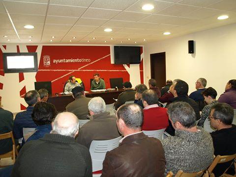 TINEO.- Presentado el borrador de la ordenanza de explotaciones apícolas.