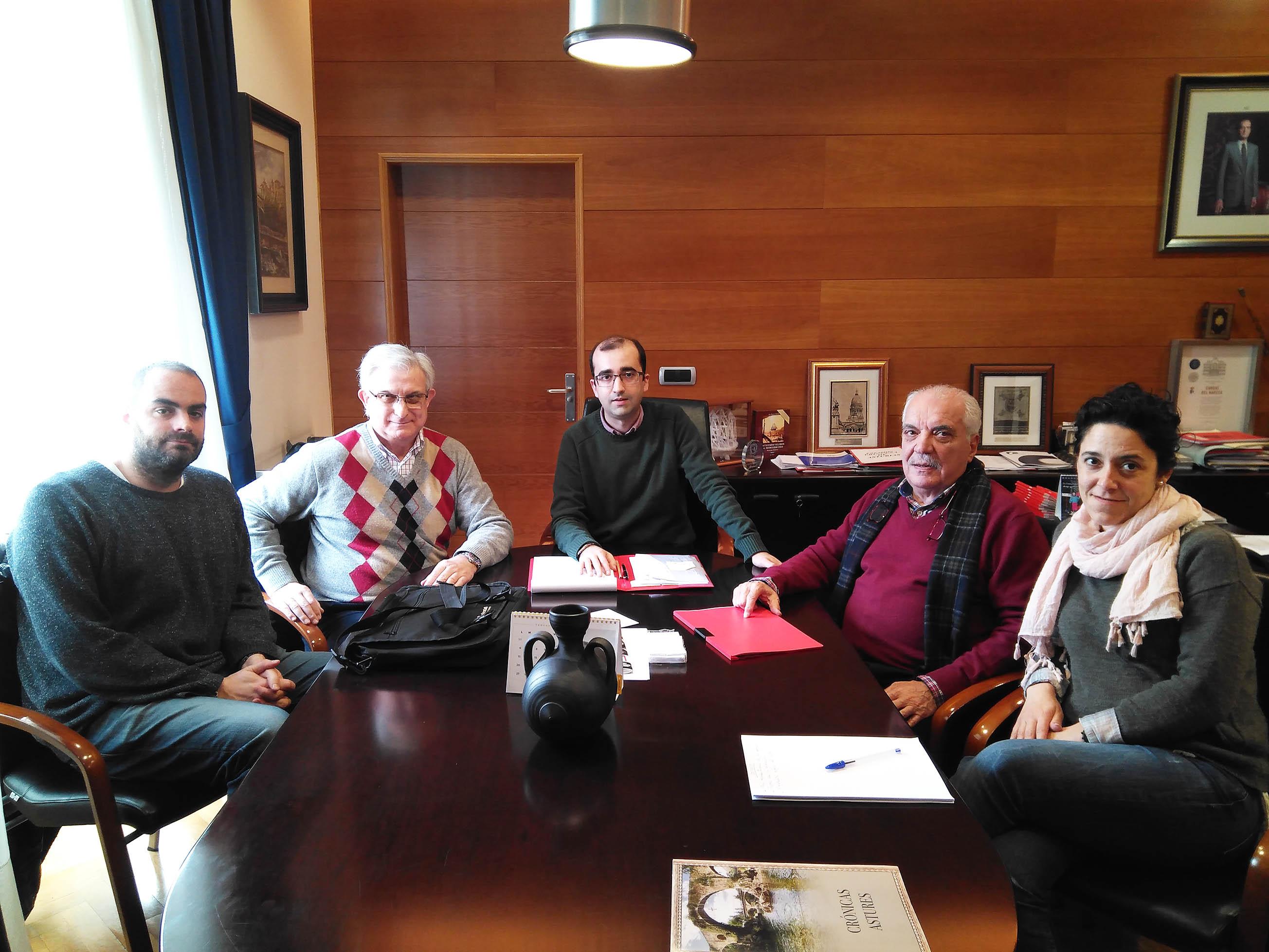 CANGAS DEL NARCEA.- Polémica festiva: Barriga Hubiera mantiene una reunión con el ayuntamiento