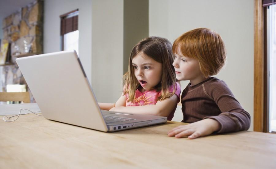 """CANGAS DEL NARCEA.- El CDTL organiza una charla para padres, madres y educadores sobre """"Internet y menores"""""""