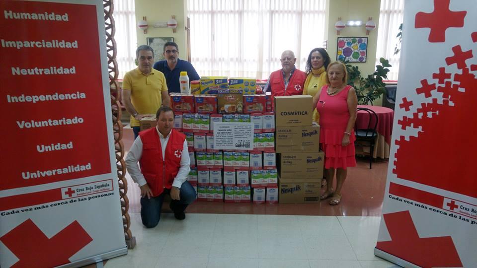 CANGAS DEL NARCEA- El Centro de Mayores entrega más de 400 kilos de alimentos a Cruz Roja