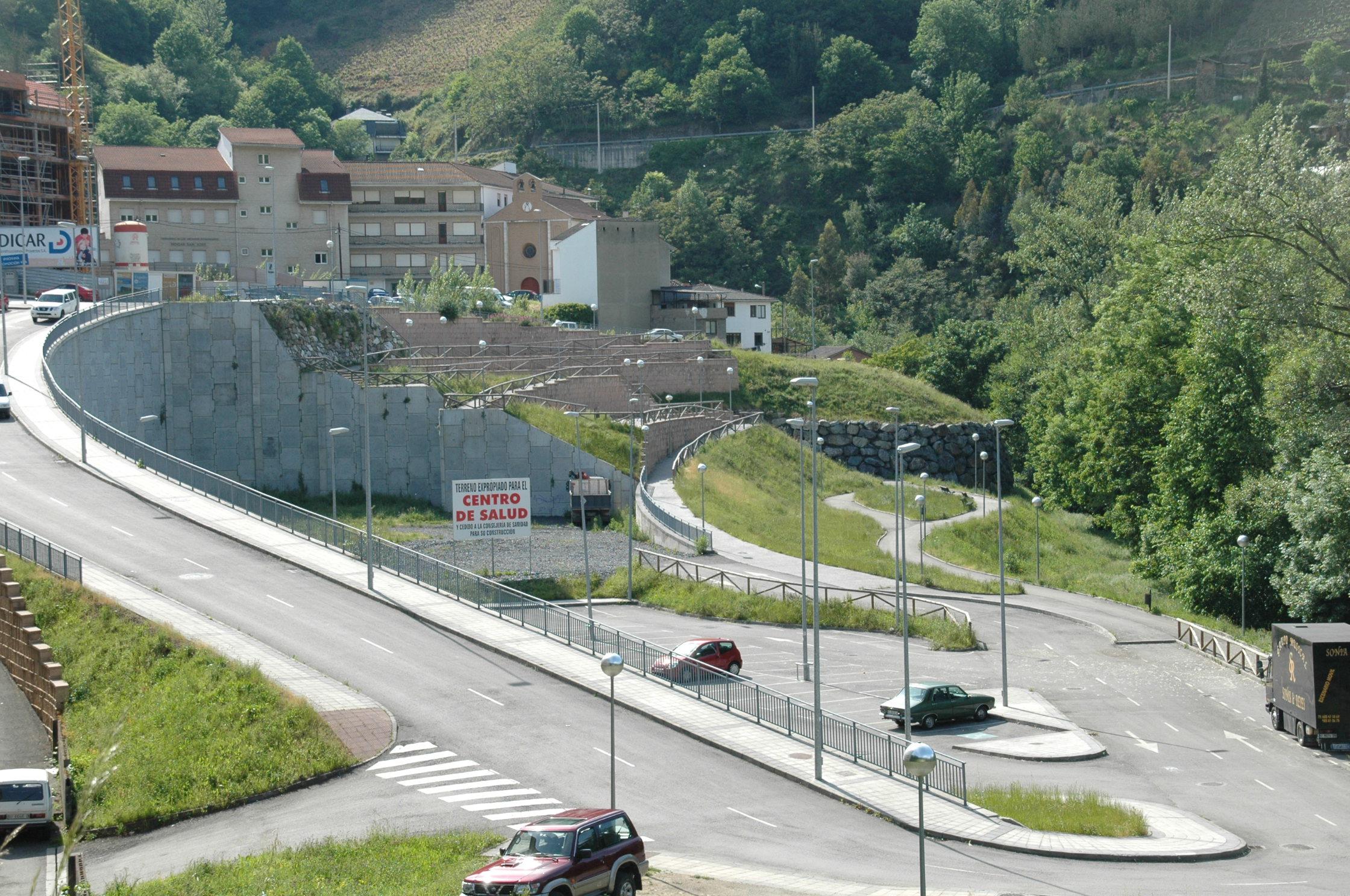 CANGAS DEL NARCEA.- De rebajas: Sogepsa y La Cortina