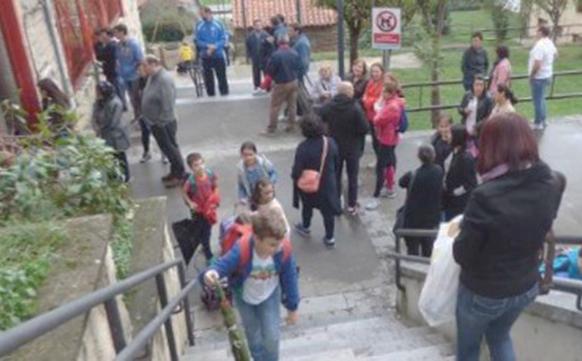 CANGAS DEL NARCEA.- Arreglo de las escaleras entre el Prao del Molín y la Plaza Toreno