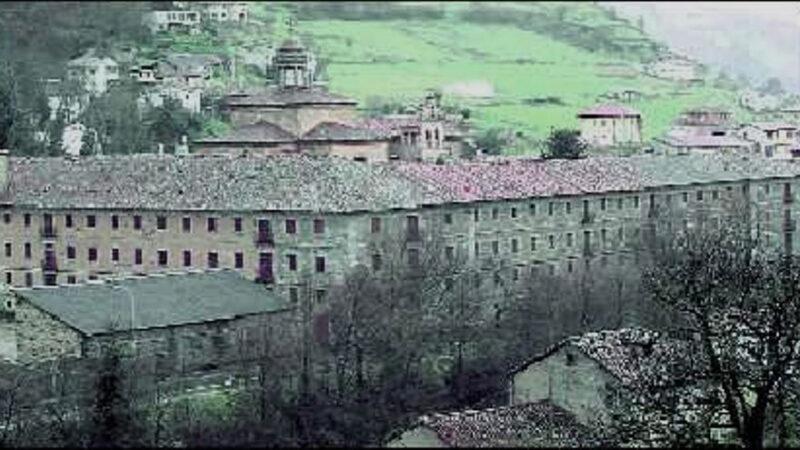 El convento de Corias se muere: solo quedan dos frailes