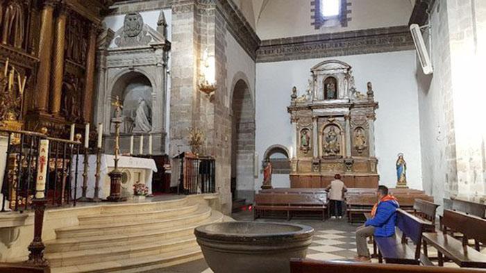 Oficios religiosos de Semana Santa y Pascua en el concejo