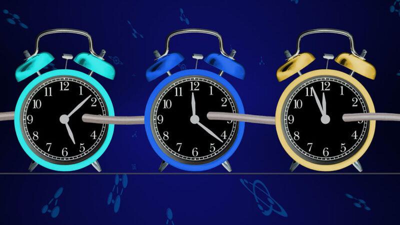 Hoy el calendario marca el paso de mi tiempo, el tuyo es distinto