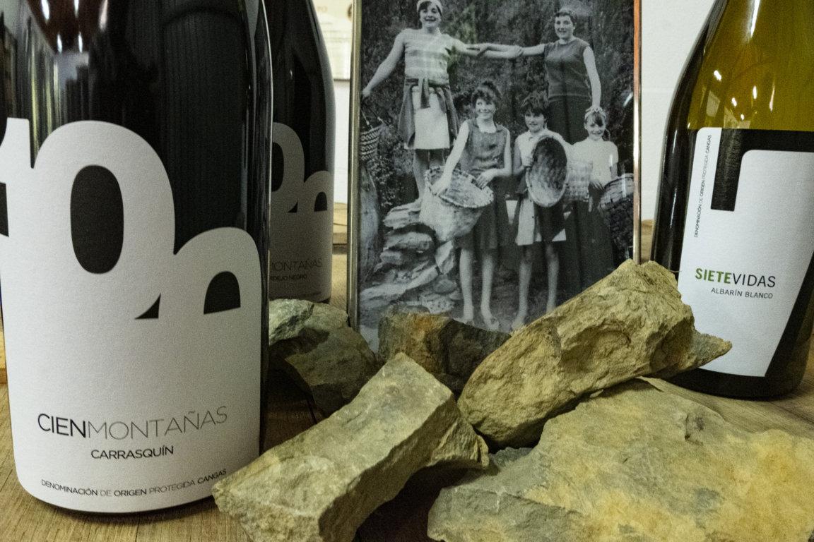 Un vino de Cangas en el periódico La Razón