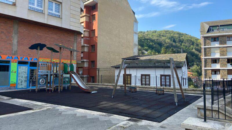 70.000 euros para la renovación de los juegos infantiles del parque del Minero