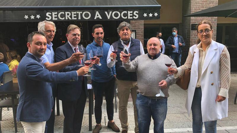 Oviedo repartirá el bollo de San Mateo con vino de Cangas